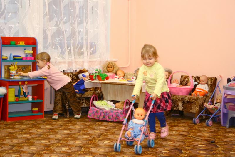 Девочки больше любят играть в семью